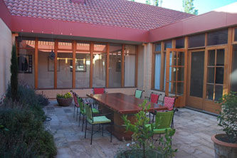 Relaxing Courtyard at Ballarat Primavera - Luxury Accommodation
