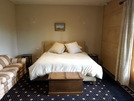 Sequoia Bedroom - Wheelchair Access - Luxury Accommodation