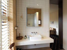 Virgina Bathroom - Accommodation in Ballarat