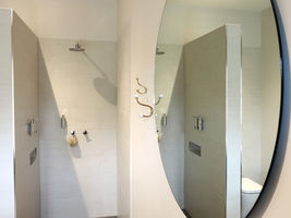 Wisteria Bath room - Luxury Accommodation in Ballarat