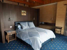 Wisteria Room - Luxury Accommodation in Ballarat